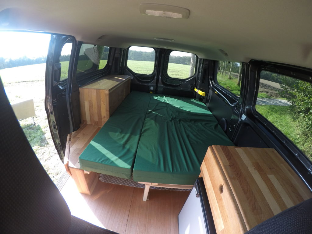 ford transit custom camper ausbau camping ausbau aus. Black Bedroom Furniture Sets. Home Design Ideas