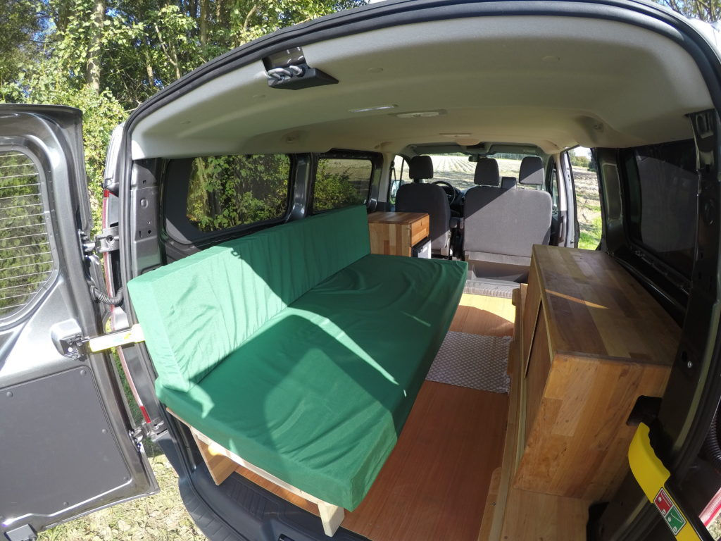 ford transit custom camping ausbau ford transit custom. Black Bedroom Furniture Sets. Home Design Ideas